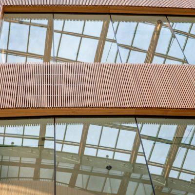9Wood 8100 Wood Grille Wave at the Atrium, Victoria, British Columbia. D'Ambrosio Architecture + Urbanism.