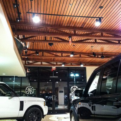 9Wood 2100 Panelized Linear at Encino Land Rover, Los Angeles, CA. Stantec Architecture.
