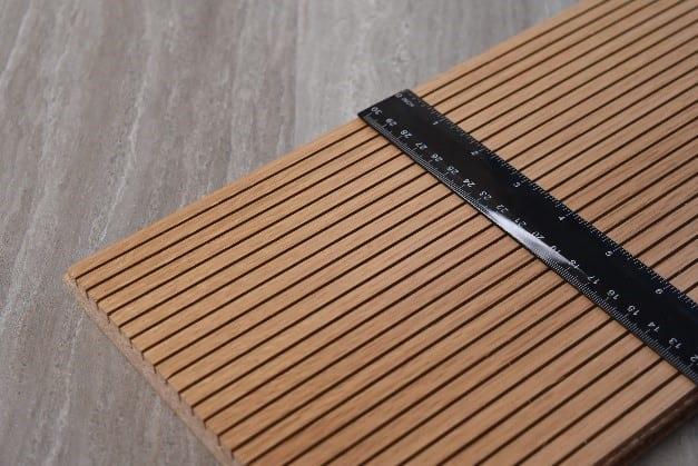 a sample image of an acoustic plank